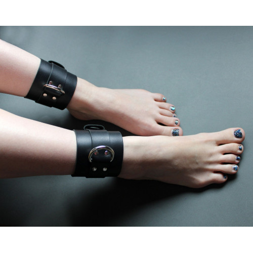 Leather BDSM Leg Cuffs for Bondage